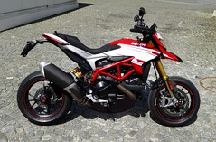 Getting to know the SP (Lusty-Daisy) Tags: sp ducati corsa 939 hypermotard 939sp