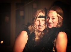 Srie annes 20-6 (amo.amo) Tags: old 1920s girls party portrait love smile canon vintage fun oldschool charleston blond amour blonde soire f18 sourire filles amiti visage 20s gatsby deguisement annes20 eos1200d