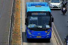 TransJabodetabek Ultima (BagusRailfans photo) Tags: bus mercedes benz mas body agra jakarta bis hino aptb transjakarta damri bismania primajasa arimbi