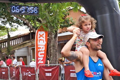 shoulder ride (tea3man) Tags: clock face hat race beard piggy nose back funny child ride ngc running run cap da vest xc shoulder pedra buzious gavea 2015