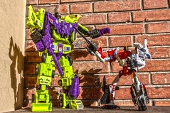 Devastator VS Superion (Giovanni V.) Tags: uw toy robot united transformers cw warriors wars takara hdr hasbro gestalt devastator combiner superion