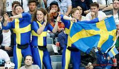 Fans Sweden - 150511-582 (Patxi64) Tags: hockey sport fan prague icehockey praha tschechien supporter czechrepublic fans jkiekko supporters eishockey worldchampionships ishockey hockeyfans ijshockey hokej  republiquetcheque o2arena hockeysurglace championnatsdumonde