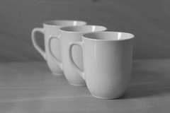 Only Cups #2 (honiigsonne) Tags: white black tree cup tasse indoor trio dishes pott schwarz drei tableware keramik geschirr weis minimalistisch