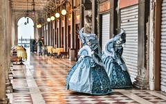 Carnaval Venise 2016-1910 (yvesw_photographies) Tags: italien venice costumes italy italia carnaval venise carnevale venezia venedig italie venitian costum costumi costumé vénitien vénitienne costumés carnavaldevenise2016