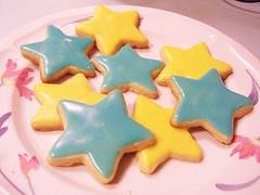 Night baking!  (Junip3r b3rry) Tags: blue yellow star cookie sugar icing bake