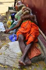 Shiva Devotee taking nap () Tags: india oldage tamilnadu kumbakonam mahamaham