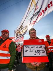 16.02.2016   Tarifdemo Holz und Kunststoff, Hiddenhausen (NRW) (IG Metall) Tags: holz metall ig kunststoff igmetall warnstreik tarif tarifverhandlungen beschftigte