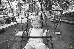 OF-Ensaio-Isadora-317 (Objetivo Fotografia) Tags: cute girl smile face playground photography kid child play photos colorfull pb amarelo fotos infantil brincar beb guria praa criana menina pretoebranco pequena rosto balano brincadeira brinquedos casinha detalhes colorido fotografias ensaiofotogrfico pracinha sorrisos gangorra rodaroda olhosazuis escorregador lajeado gargalhadas risadas felipemanfroi eduardostoll ensaioinfantil praadopapainoel objetivofotografia manuelakunzler
