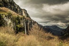 Salto del Asón (jrgexp) Tags: españa naturaleza water rio clouds river jump spain salto prehistoric cantabria cascada watefall lostworld ason cantabriainfinita