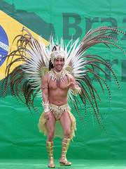 #7676 shake those tail feathers (Nemo's great uncle) Tags: dancer  odaiba  aomi kotoku braziliancarnival  tky