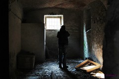 IMG_2257 (elisavalerio82) Tags: light man window photo foto finestra uomo click behind shoulders luce urbex dietro scatto spalle urbexer