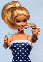Barbie And Her Bradypodion (scott cromwell) Tags: tongue eating reptile barbie lizard worm chameleon hornworm bradypodion bradypodionthamnobates