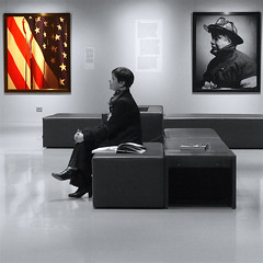 American trauma (_ Adle _) Tags: noiretblanc worldtradecenter 911 bruxelles muse tribute hommage sang pompier drapeau andresserrano beauxarts amrique photographies attentats partielle dsaturation restrospective traumatisme