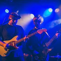 throwback naar de release van ons liefdeskindje. lekker gitaar spelen met @guusbenneker #12maart #feest #nofilter #melanievanleeuwen