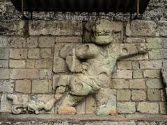 """Copan Ruinas: un des deux jaguars.  Mais c'est la Panthère Rose ! ;) <a style=""""margin-left:10px; font-size:0.8em;"""" href=""""http://www.flickr.com/photos/127723101@N04/26525079626/"""" target=""""_blank"""">@flickr</a>"""