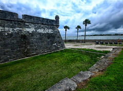 Castillo de San Marcos in St Augustine, Florida (` Toshio ') Tags: usa storm history beach clouds harbor nationalpark fort palmtrees cannon staugustine castillodesanmarcos toshio floida xe2 fujixe2