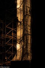 Un homme au travail / Men at work (alex.bernard) Tags: bridge shadow canada night canon construction montréal outdoor ombre québec pont 5d worker tamron nuit chantier ouvrier pontjacquescartier 2470 jacquescartierbridge tamron2470 canon5diii