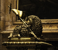Paschal Lamb in the Vatican (Lawrence OP) Tags: sculpture vatican stpeters rome bronze easter gold flag cover font lamb agnusdei gilt baptistery giovannigiardoni