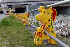 20160413-54-Giraffe barrier (Roger T Wong) Tags: travel holiday japan kyoto traffic barrier giraffe canonef1740mmf4lusm 2016 canon1740f4l canoneos6d rogettwong