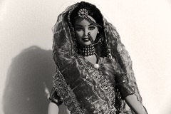 P1010643 (Melissa DC.) Tags: portrait india blancoynegro persona mujer noir retrato femme barbie linda blanc inde mejor beaute