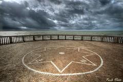 La rosa dei venti - Compass rose (Pablos55) Tags: sea sky clouds nuvole mare rotonda cielo rondo compassrose parapet rosadeiventi parapetto