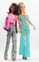 Repro Francies in Skipper Fashion Avenue (moogirl2) Tags: miniatures barbie skipper starbucks mattel francie 90s fashionavenue 90sfashion skipperfashionavenue startacphones 90scellphones