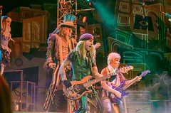 Mad Hatter Tea Party (Kevin MG) Tags: usa orangecounty anaheim disney disneyland amusementpark concert performance performer madhatterteaparty california
