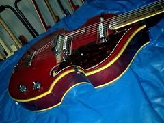 Crown Beatle 12 string (4)os 1000 (Lox Pix) Tags: lox loxpix guitar collection bass mandolin fender gibson yamaha ibanez rickenbacker vintage beatle violin shape kent sleekline bowhunter trump squier stratocaster telecaster hofner loxwerx l0xpix