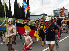 Invasion Day march and rally 2016-1260185.jpg (Leo in Canberra) Tags: march rally protest australia canberra australiaday act indigenous invasionday garemaplace 26january2016 aboriginalandtorresstraightislanders lestweforgetthefrontierwars endtheusalliance closepinegap