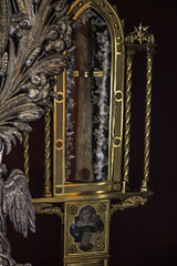 Relic of St Thomas Aquinas (Lawrence OP) Tags: rome nuns relics stthomas reliquary stthomasaquinas aquinas doctorofthechurch dominicans montemario