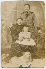 (Kaopai) Tags: family dog baby kid child familie paar perro hund eltern