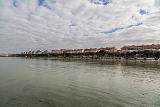 Seville Jan 2016 (4) 195 - The river seen from Puenta de la Barqueta