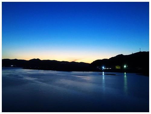 お疲れ様〜  今日も綺麗に晴れて気持ち良い一日だった長崎、桜は開花したのかなぁ・・・  早番で帰ると夕刻の素敵な景色をようやく観ることが出来るようになってきたね  花粉やらPMやらで、鼻や眼は調子良くないけど、気持ちは少しだけ前に迎えそうかな、、、  明日も佳い日でありますように♪♪