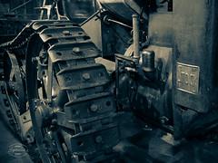 Vintage Farm Technology (spline_splinson) Tags: tractor de deutschland rust traktor track caterpillar transportation antiquetractor oldtechnology oldtractor badenwrttemberg caterpillartrack vintagefarmequipment uhldingenmhlhofen stocktractor