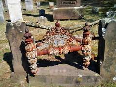 (Steadyjohn) Tags: gravemarker middleltownct castirongravemarker ancientcemeteries washingtonstcemetery josephcrosley