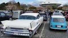 1958 Cadillac Fleetwood and Austin Mini (D70) Tags: hardtop vancouver austin easter parking lot mini cadillac special gathering 1958 planetarium sixty fleetwood 2016 4door vccc