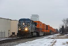 CEFX1035OconomowocWI3-5-16 (railohio) Tags: wisconsin trains canadianpacific cp oconomowoc 198 j3 cefx 030516 ac44cw