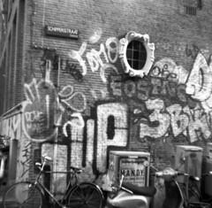 Schipperstraat (Arne Kuilman) Tags: 6x6 amsterdam mediumformat iso200 nederland 120film folder franka speckles fomapan schipperstraat