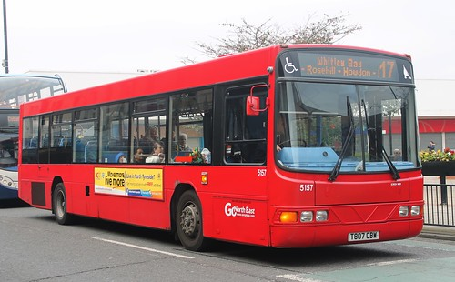 Go North East: 5157 T807CBW Volvo B10BLE/Wright Renown