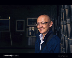 Street Portrait 035/100 Paolo (The Urban Scot) Tags: vacation portrait italy rome roma smile glasses italian artist fuji paolo roman bald naturallight stranger doorway primelens urbanportrait 23mm 100strangers urbanscot urbanscotphotography april2016 fujix100t