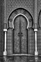 Fes - Zoom for details !! (Rik Tiggelhoven Travel Photography) Tags: world africa door travel blackandwhite bw white black building art heritage monochrome architecture canon ceramic photography site gate noir mosaic details dar entrance royal el palace unesco morocco fez afrika fullframe rik marokko fes 6d makhzen ef24105mmf4lisusm tiggelhoven