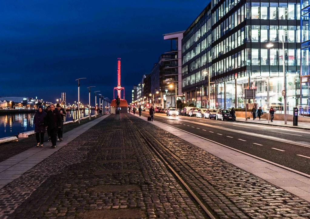 DUBLIN DOCKLANDS AT NIGHT [JANUARY 2016]-110826