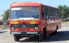 QUEEN WITH CROWN ......MSRTC Brand new Parivartan resting at Shirdi Parking Place (gouravshinde94) Tags: bus tata shirdi karanja msrtc parivartan