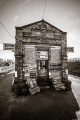 General Waiting Room (aljones27) Tags: blackandwhite bw monochrome station leicestershire platform waitingroom quorn greatcentralrailway gcr