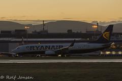 EI-ENF Boeing 737-800 Ryanair Edinburgh airport EGPH 27.12-15 (rjonsen) Tags: sunrise airport edinburgh dusk terminal ryanair egph