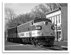 Downtown (bogray) Tags: blackandwhite bw classic train vintage mono ky historic restored locomotive preserved coveredwagon frankfort f7 emd myoldkentuckydinnertrain funit dieselelectric rjcorman cabunit rjc1941