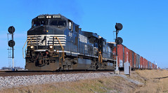 #145 departing Abel (HighHor$epower) Tags: searchlight abel dash944cw railroadsignal ns9129 ns145