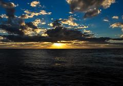 DSC_1366 (capt_tain Tom) Tags: gulfofmexico water clouds sunrise sunrays padreisland