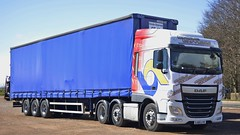 SJ65 LYX (panmanstan) Tags: truck wagon scotland transport lorry commercial vehicle freight daf xf stracathro curtainsider