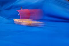 a la deriva (tangaxoan) Tags: agua barco juguete filtro modelismo armar memoriavisual densidadneutra